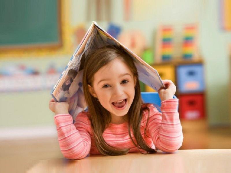 Предложите ребенку почитать с вами книгу, посмотреть картинки.  Обратите внимание на то...