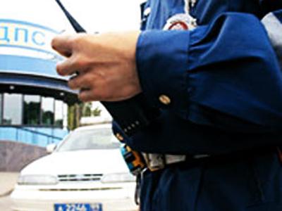 Сегодня ночью в Бийске, пьяный водитель совершил наезд на сотрудника ГИБДД