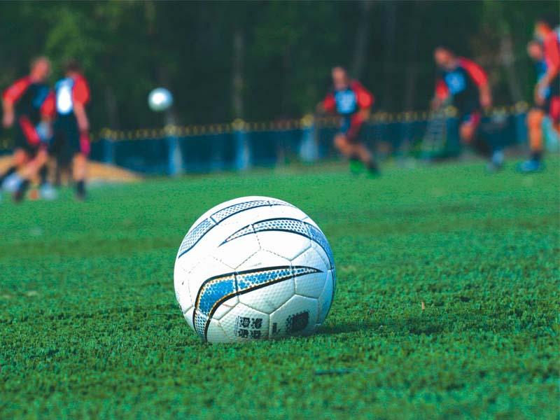 В Рубцовске продолжается строительство футбольного поля с искусственным покрытием