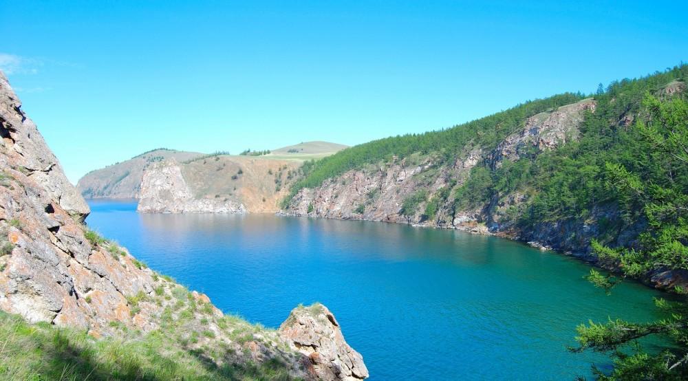 Байкал в разгаре лета. Фото с сайта: http://www.baikalake.ru/