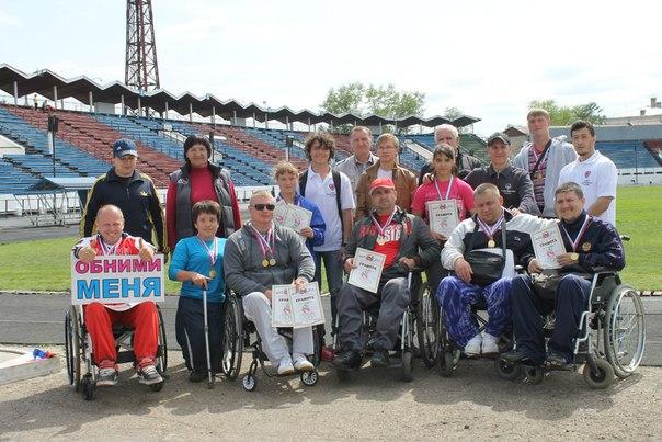 Евгений Скрыбыкин, активист Иркутского доброцентра: на протяжении всех тренировок мы, волонтеры, тоже активно занимаемся спортом, ведь вести здоровый образ жизни — это очень круто!