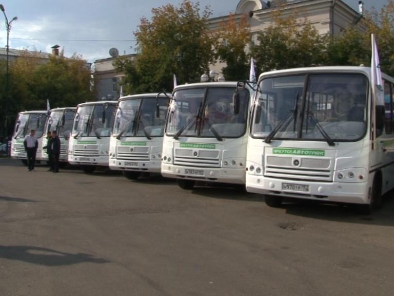 Новые автобусы и дорожные машины поступили в Иркутск