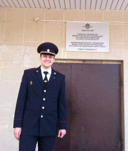 Полицейские спасли жизнь водителю службы такси в Иркутске