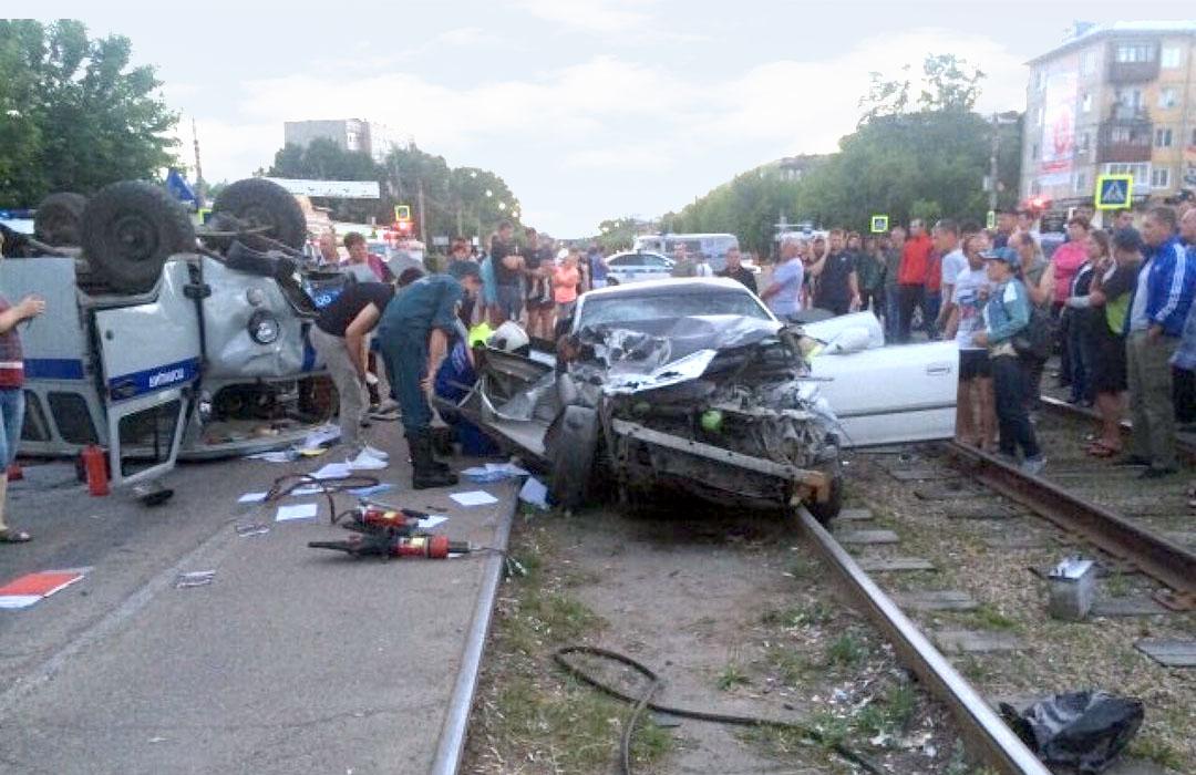 Полицейские пострадали в результате погони за пьяным водителем в Ангарске