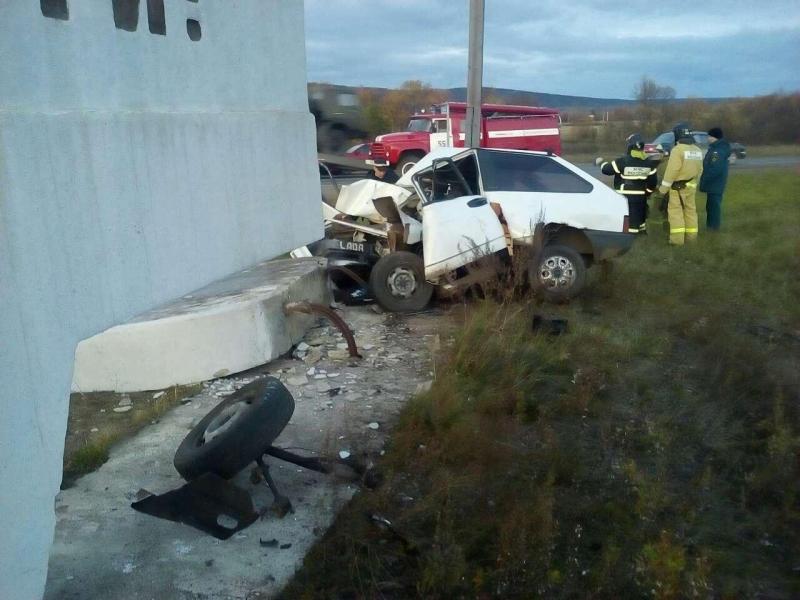 В Нижнеудинске  погиб водителей «Жигулей» врезавшись в стелу с названием города