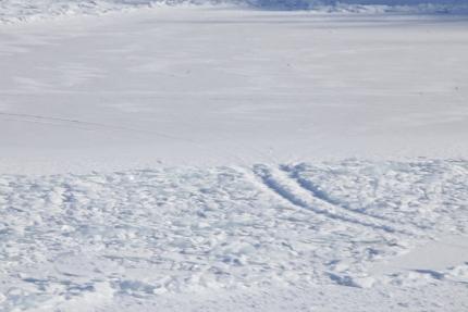 На Братском водохранилище под лед провалился  КАМАЗ вместе с водителем