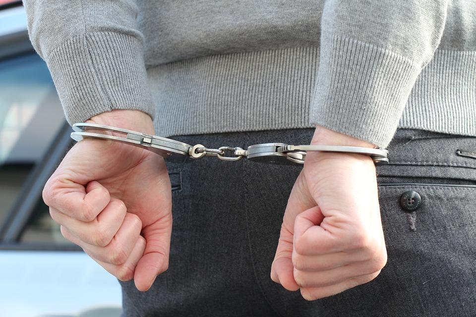 Полицейские задержали жителя Ангарска, подозреваемого в покушении на убийство своего кредитора