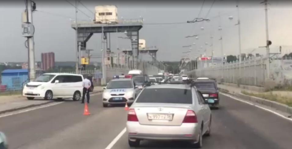 Сегодня в Иркутске в ДТП на плотине ГЭС погиб водитель автомашины