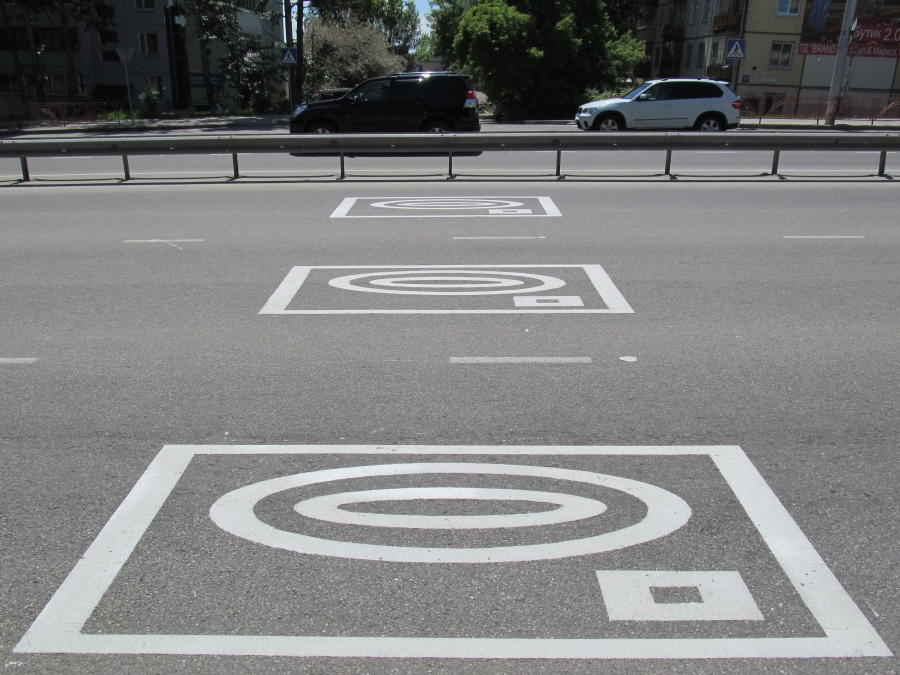 О камерах на дорогах предупредит разметка