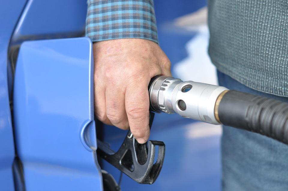 Сравнение цен на моторное топливо в Иркутске и центрах соседних регионов