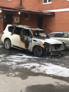 В городе Шелехов подожгли автомобиль главы города