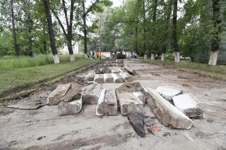 В Иркутске приступили к ремонту дворов на улице Советской 176 (территория бывшего ИВВАИУ)