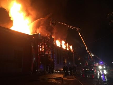 Крупнейший мебельный центр «Мебель-Сити» сгорел в Иркутске