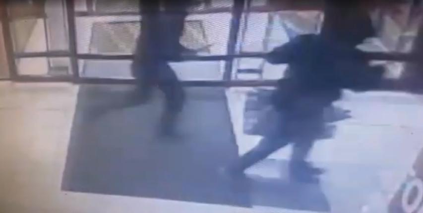 В городе Братске злоумышленники похитили из ломбарда сейф с золотыми украшениями