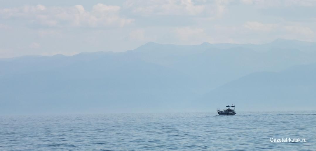 Экологическая обстановка в районе озера Байкал продолжает ухудшаться, несмотря на потраченные для ее улучшения более 8 миллиардов рублей
