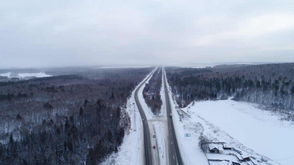 На федеральных трассах в Иркутской области дорожники за сутки спасли от мороза девять водителей