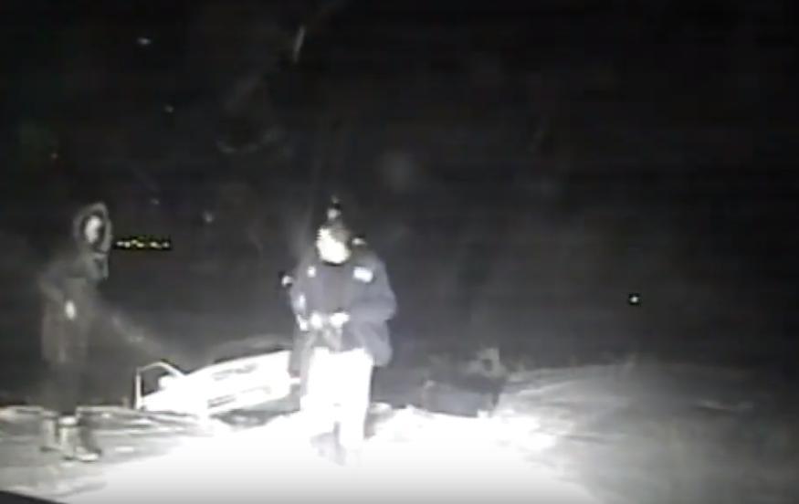 В Иркутской области сотрудники ГИБДД использовали табельное оружие, чтобы остановить водителя-лихача
