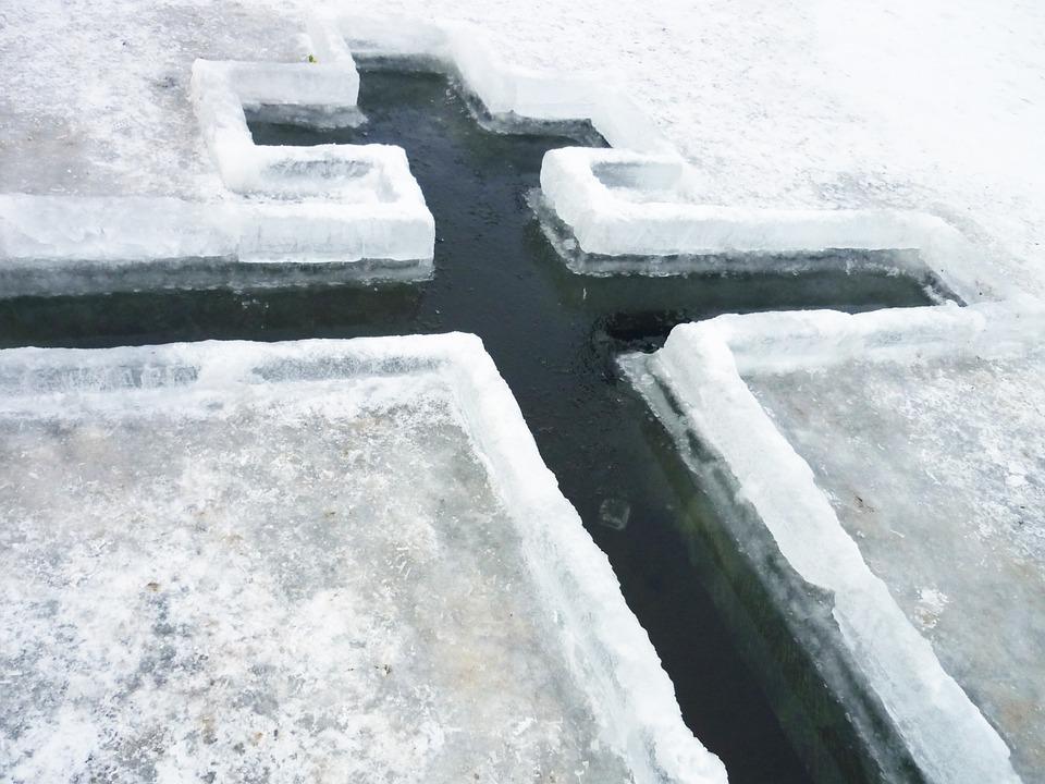 В Иркутской области в преддверии праздника Крещения специалисты Роспотребнадзора оценят качество воды водоемов