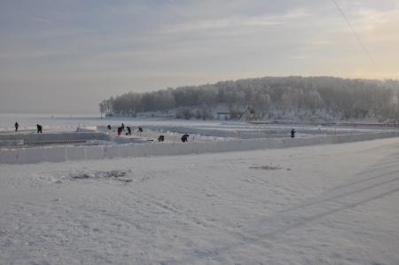 В Иркутске на заливе Якоби изо льда начали строить комплекс «Иркутская Иордань»