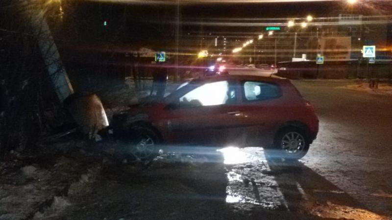 В Иркутске работник автосервиса угнал и разбил автомашину клиентки