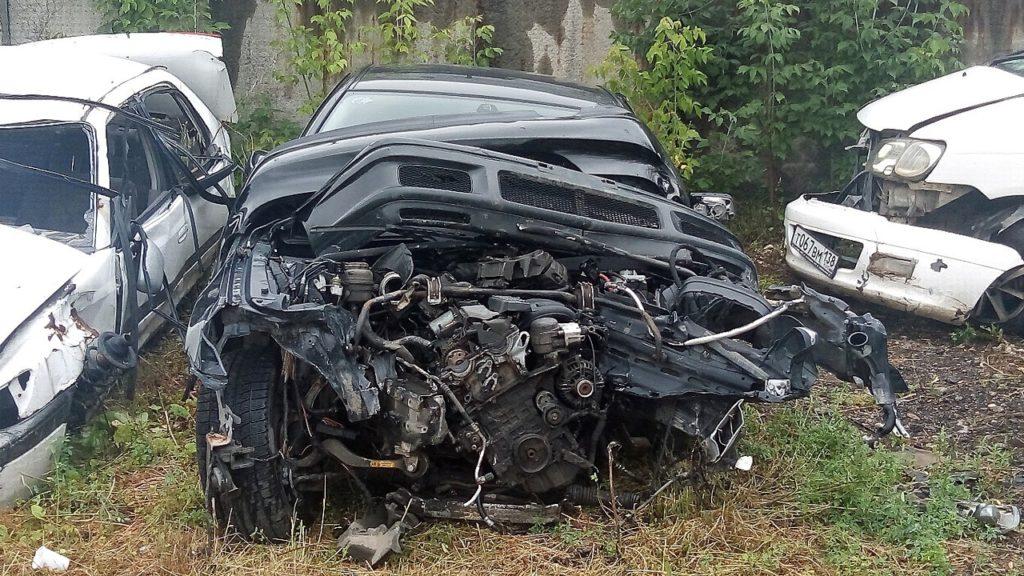 В столице Приангарья прошла выставка разбитых автомобилей