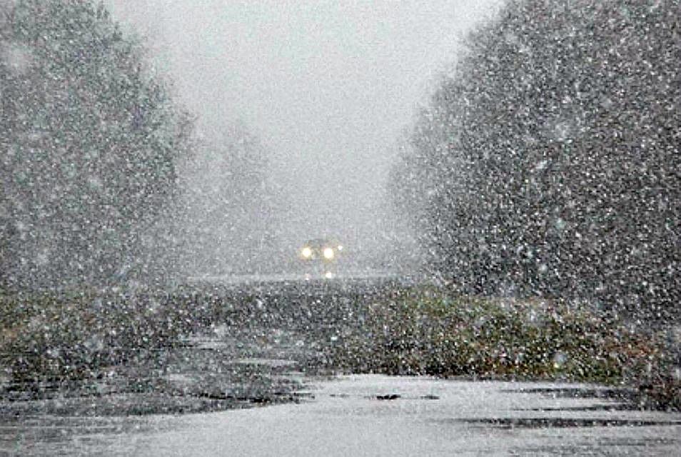 18 апреля на западе Иркутской области объявлено штормовое предупреждение