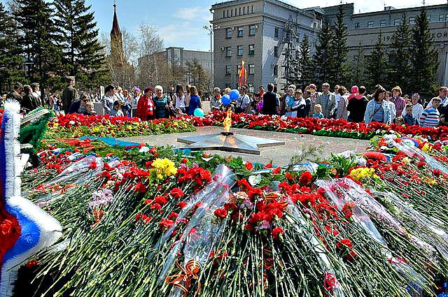 9 Мая в Иркутске: Общественный транспорт в День Победы будет работать до 2-ух ночи