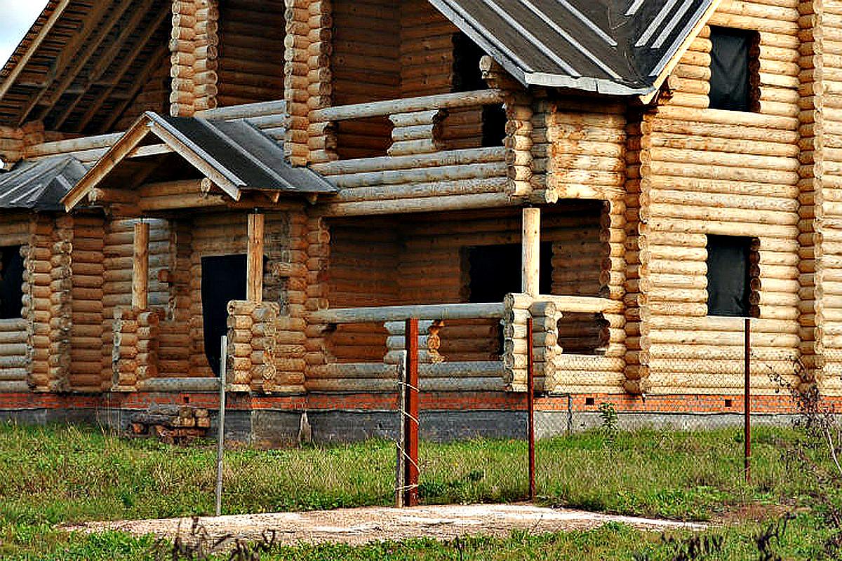 Бревнышко к бревнышку: Житель Бурятии похитил у соседки сруб деревянного дома