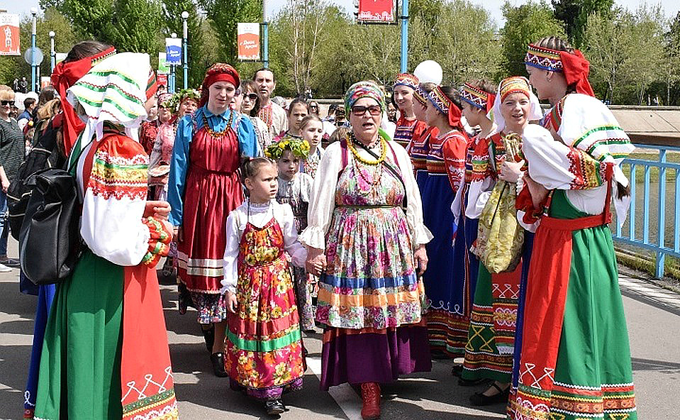 В День России Дом ремесел приглашает иркутян поучиться пластилиновой живописи