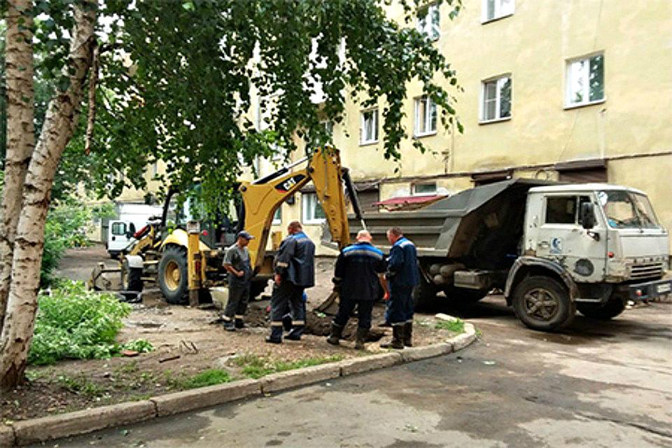В Иркутске благоустраивают двор многоэтажки в стиле русских сказок