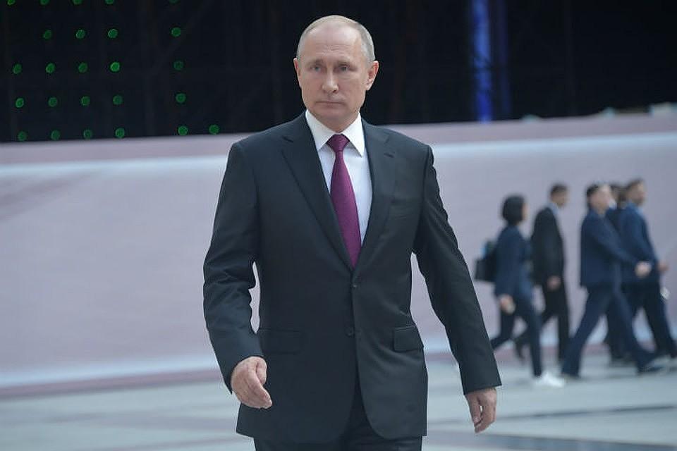 Путин в Тулуне: Президент РФ находится в городе, пострадавшем от наводнения