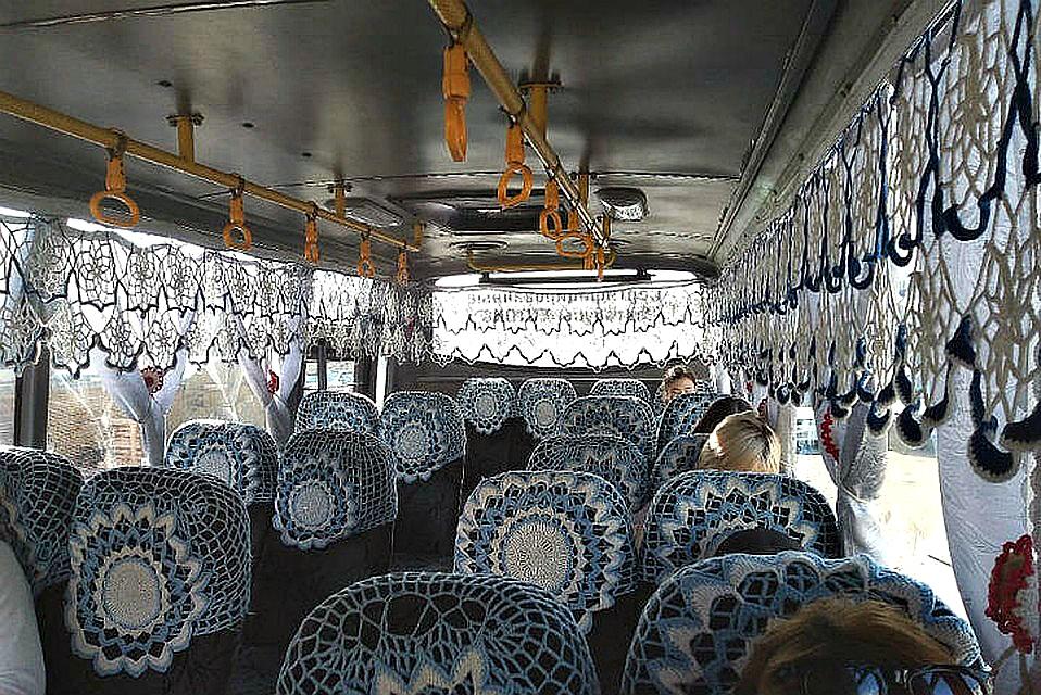 «Захотелось прокатиться»: Жена водителя маршрутки в Улан-Удэ украсила салон кружевами