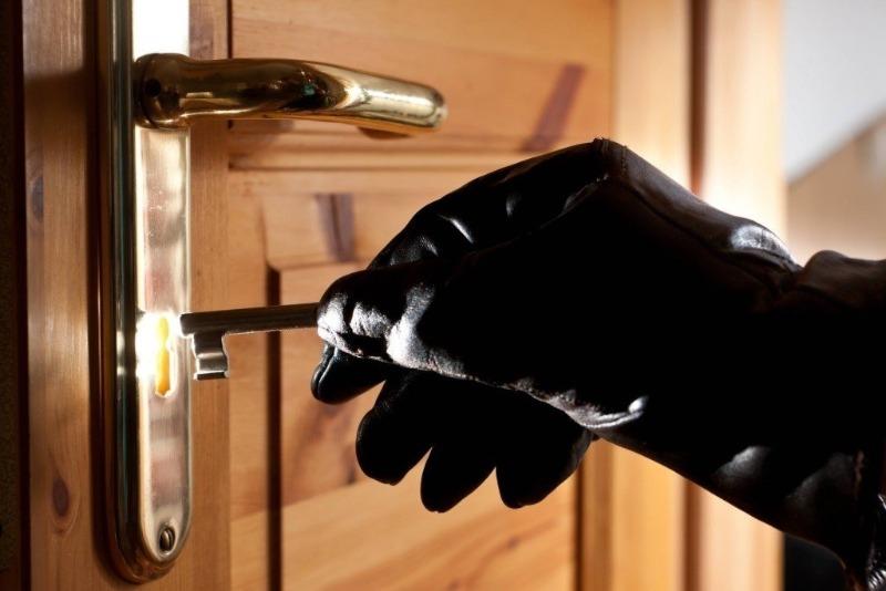 6 неявных признаков, что ваша квартира «на заметке» у грабителей