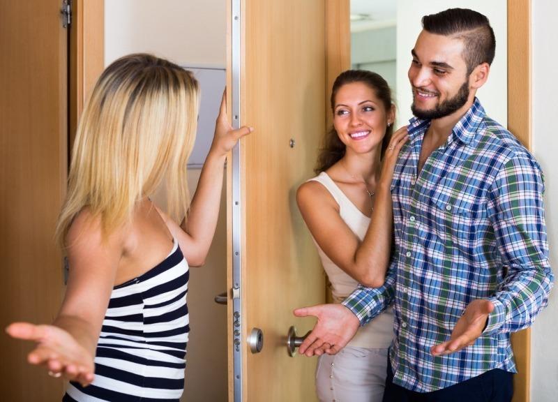 9 способов, как улучшить отношения с соседями или помириться, если вы в ссоре