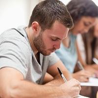 Неудовлетворительно сдавшие ЕГЭ по математике учащиеся смогут пересдать его по другому уровню