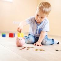 С 2020 года утратит силу указ о выплате ежемесячной компенсации в размере 50 руб. лицам, находящимся в отпуске по уходу за ребенком